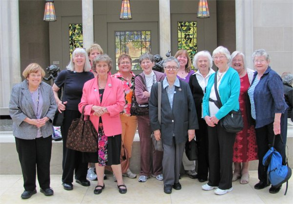 SeniorLearn group in the Metropolitan Museum of Art